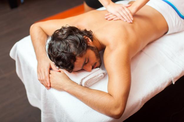 man-having-massage_53419-6263